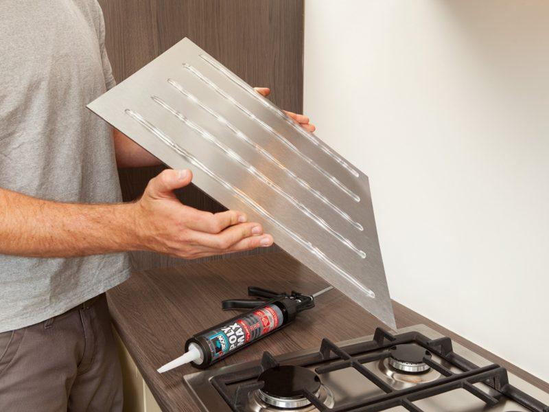 lipire placa protectie aragaz cu adeziv transparent